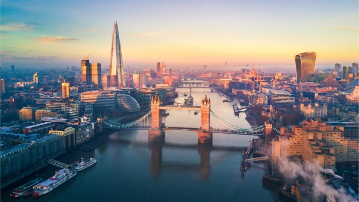 England Drops Entry Restrictions For U.S And E.U Tourists