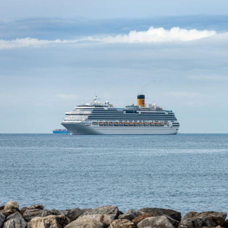 cruise ship distance