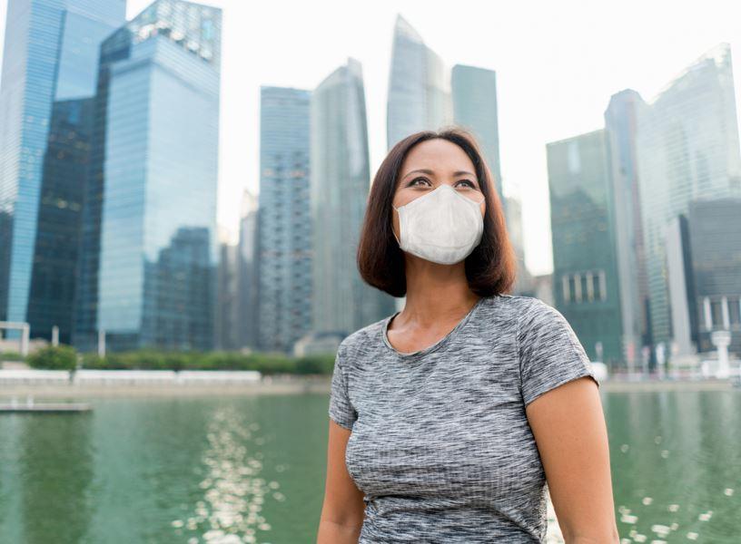 mask singapore woman