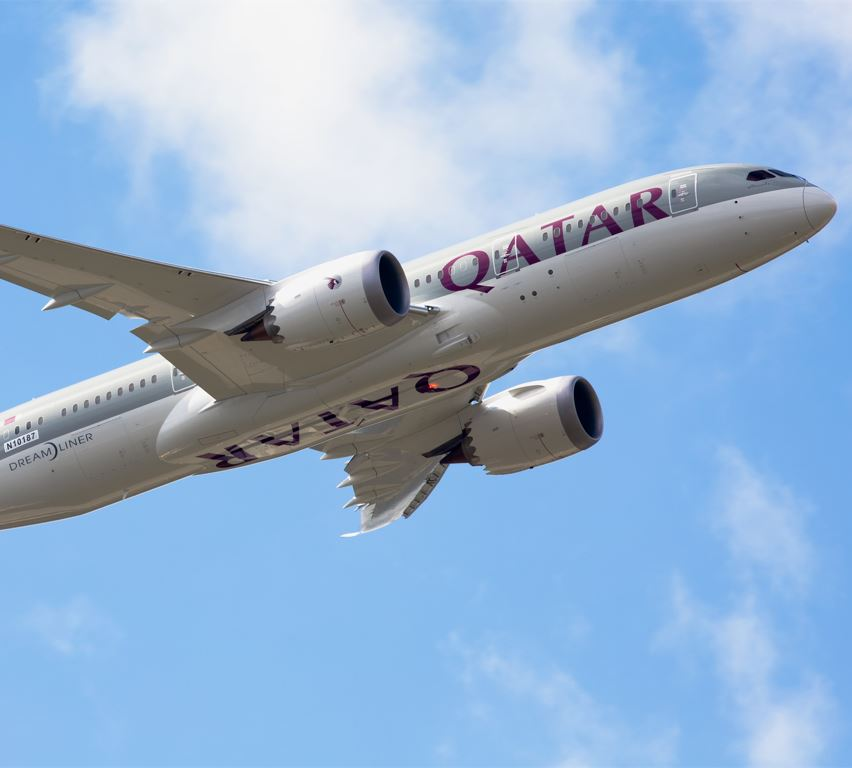 qatar airplane in flight