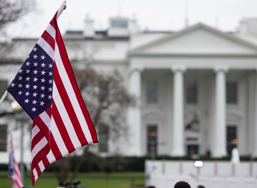white house us flag