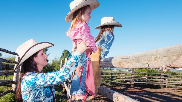 10 Unique Fall Trips Perfect for the Whole Family