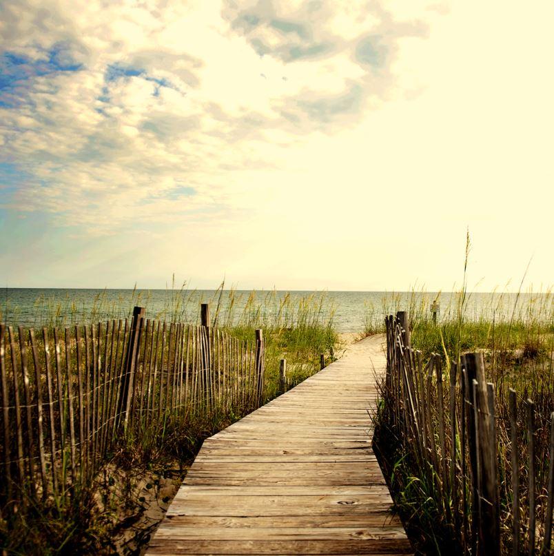 Bald Head Island, boardwalk to sea
