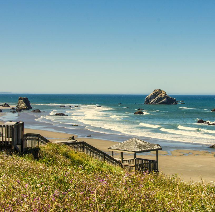 Bandon Oregon beach and sea