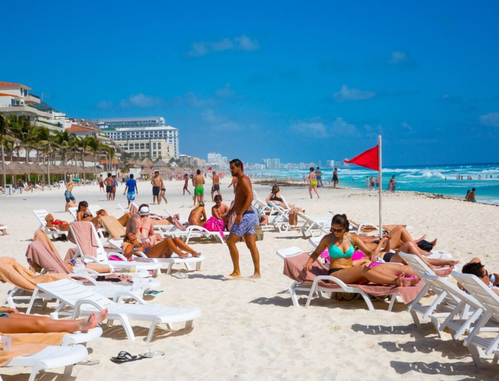 Cancun Beach packed with tourists
