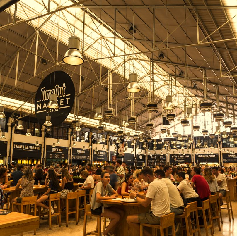 Time Out Food Market Lisbon, diners