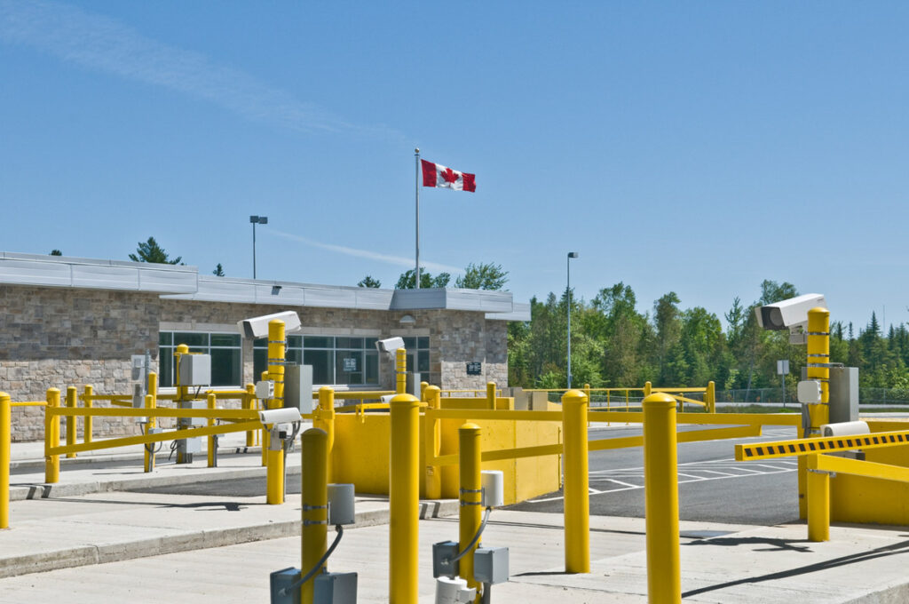 Canada Customs between St.Stephen New Brunswick and Calais Maine.