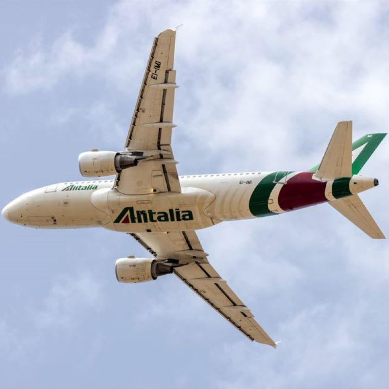alitalia flight overhead