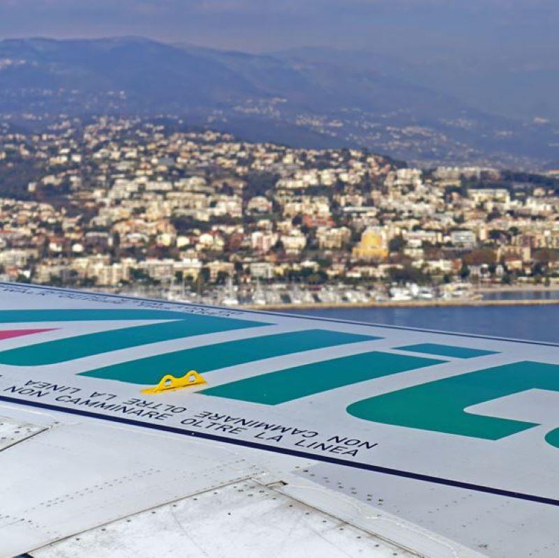 alitalia wing view city