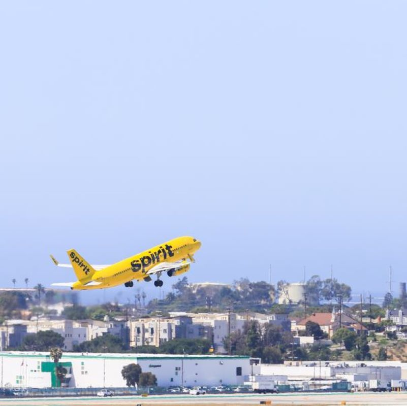 spirit airline take off