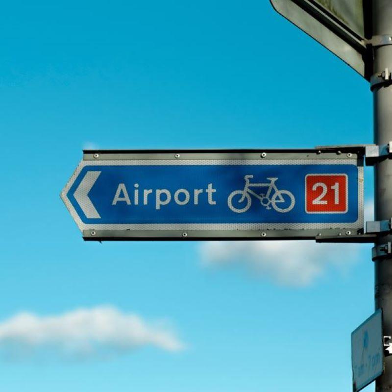 uk airport sign