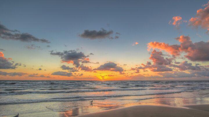 5 Awesome US Fall Beach Trips