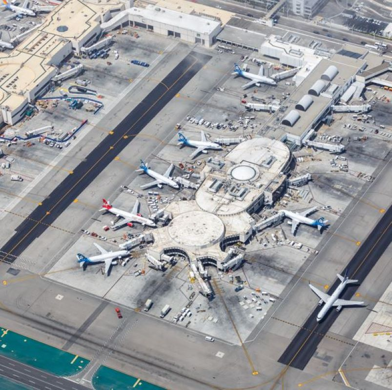 LAX airplanes airport