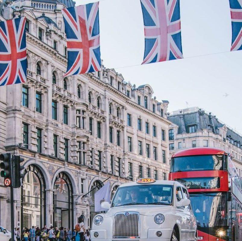 london flag cab bus
