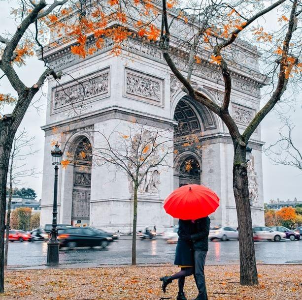 paris arc autumn