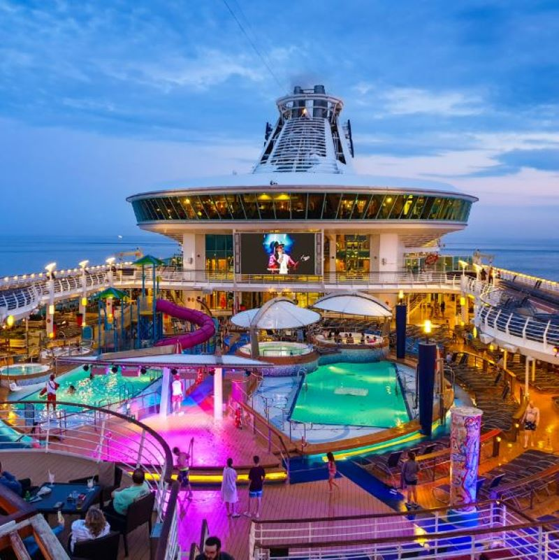 royal caribbean entertainment pool