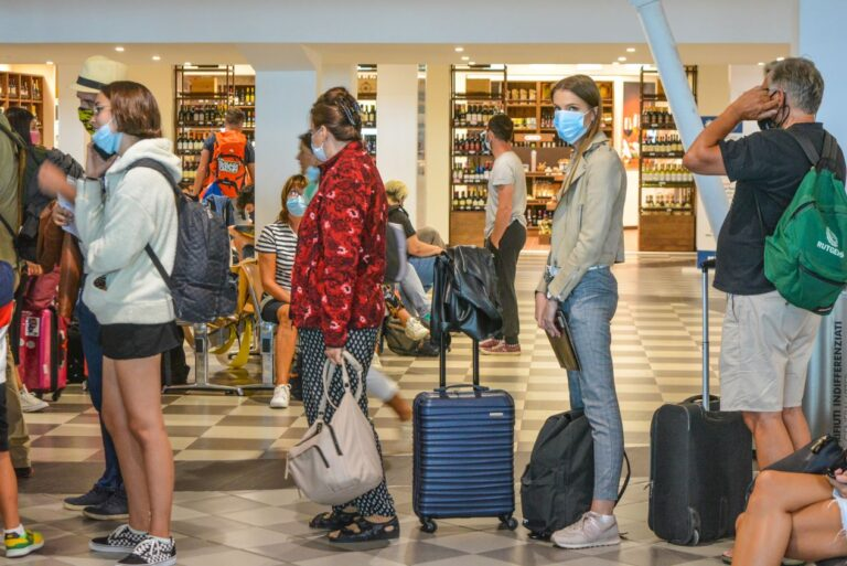 TSA-Vaccine-Mandate-May-Cause-Long-Wait-Times-For-Travelers-In-The-U.S.