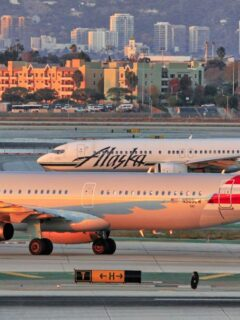 All JetBlue, American And Alaska Airlines Crew To Be Vaccinated