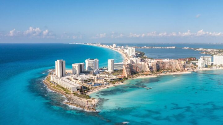 Cancun Sees Record Number Of Arrivals As State Returns To Low Risk Green Zone