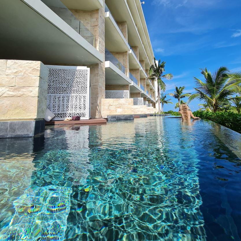 Cancun Swim out