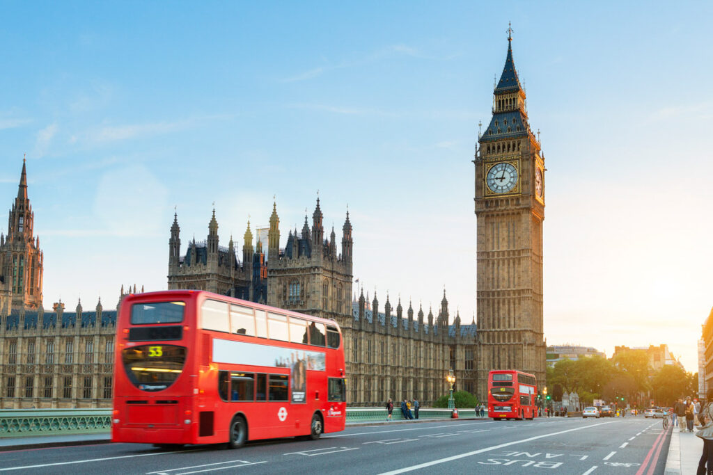 New Rules Make It Easier For Americans To Visit England