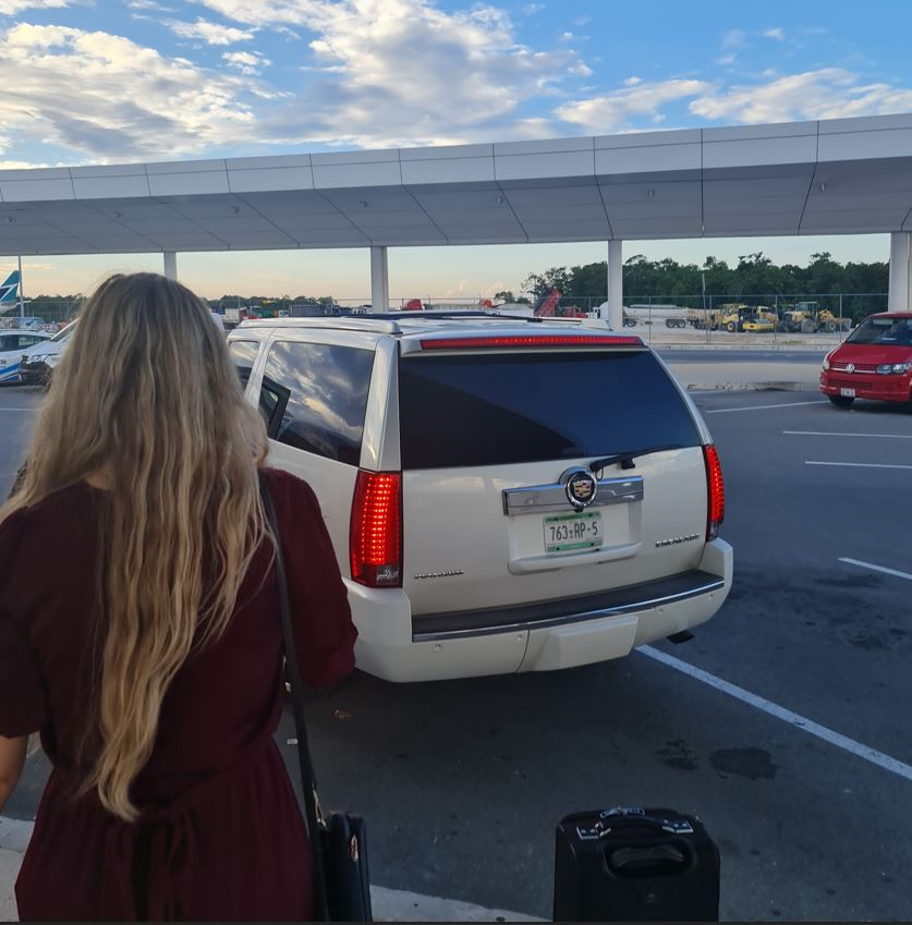 Tourists arrive at cancun airport