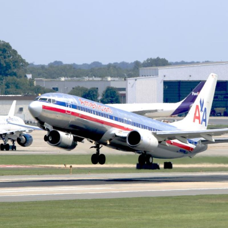 american airlines takeoff