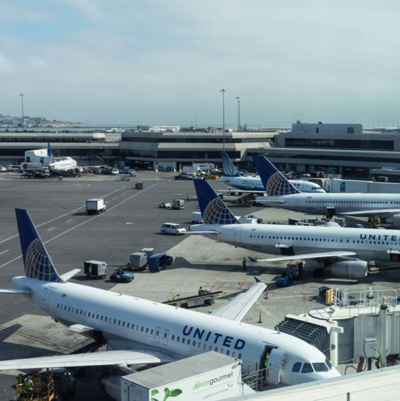 united airplanes airport